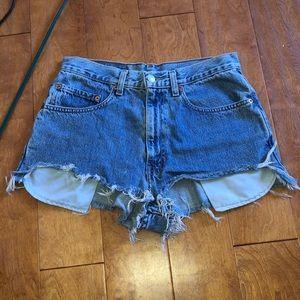 Vintage Levi's wedgie High Waist cut off shorts 26